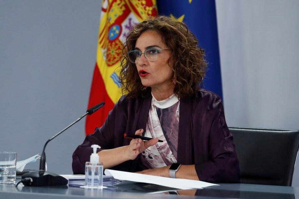 La ministra de Hacienda y portavoz del Gobierno, María Jesús Montero, en una rueda de prensa posterior a la reunión del Consejo de Ministros. EFE/J.J. Guillén
