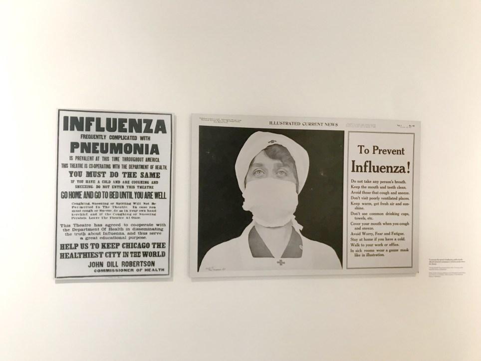 Dos carteles de prevención para combatir la gripe de 1918, en una muestra del museo de los Centros de Control y Prevención de Enfermedades (CDC) en Atlanta, Georgia (EE.UU.). EFE/Marcela Cortés