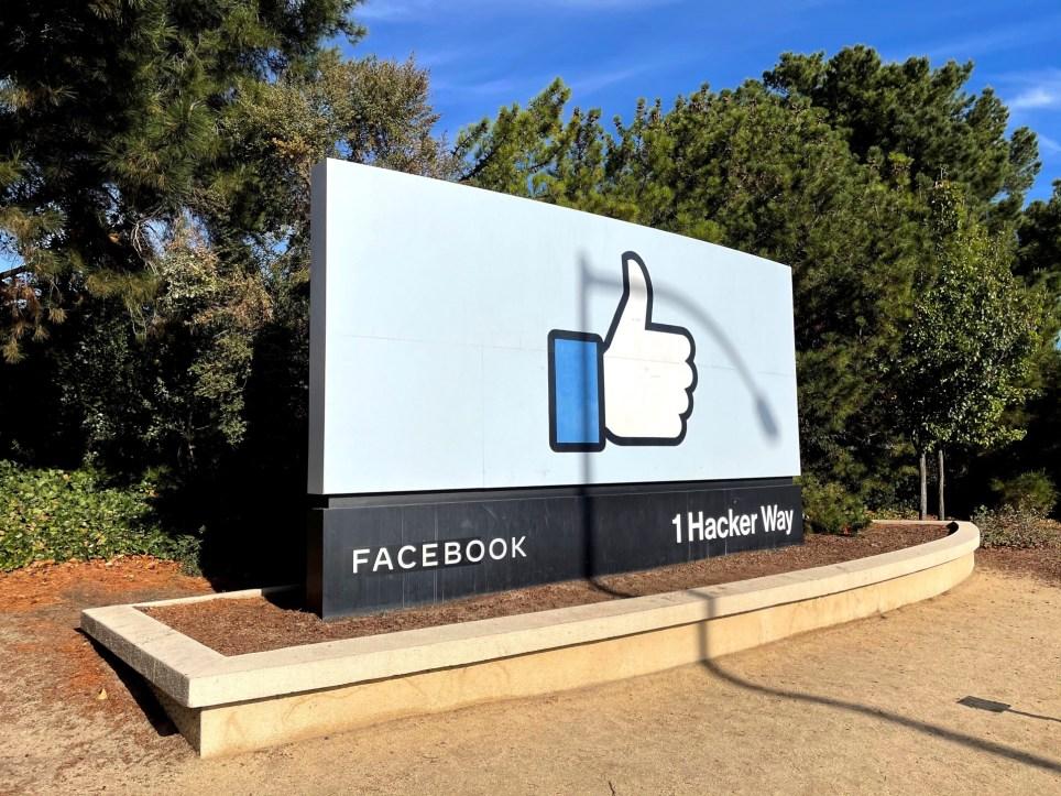 Entrada a la sede de Facebook en California. EFE/Marc Arcas