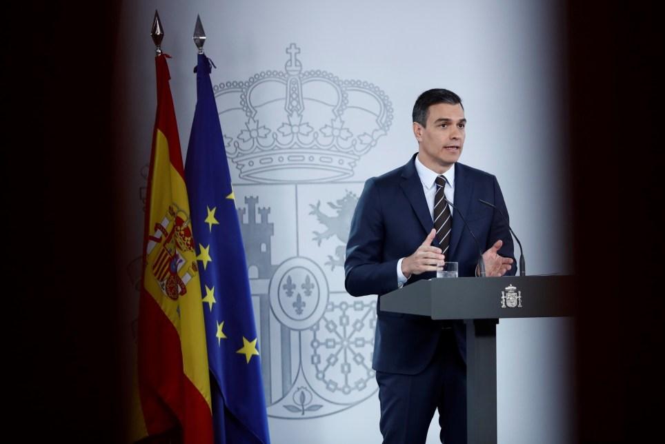 El presidente del Gobierno, Pedro Sánchez, tras su última reunión con los presidentes autonómicos para abordar el desarrollo del plan de desescalada de las medidas adoptadas frente a la pandemia de COVID-19. EFE/Mariscal