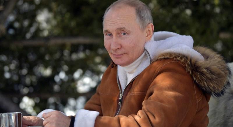 El presidente ruso, Vladímir Putin, durante unos días de descanso. EFE/EPA/Alexei Druzhinin/SPUTNIK