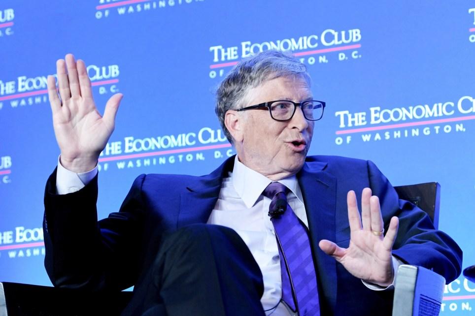 El fundador de Microsoft, Bill Gates, habla durante su participación en un evento en la sede del organismo en Washington (EE.UU.). EFE/Lenin Nolly/Archivo