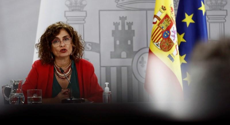 La ministra de Hacienda y portavoz del Gobierno, María Jesús Montero, durante la conferencia de prensa posterior a la reunión del Consejo de Ministros celebrada el 20 de octubre. EFE/ Mariscal