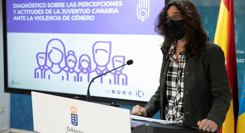 La directora del ICI, Kika Fumero, presenta un estudio sobre la percepción de la violencia machista. EFE/Miguel Barreto