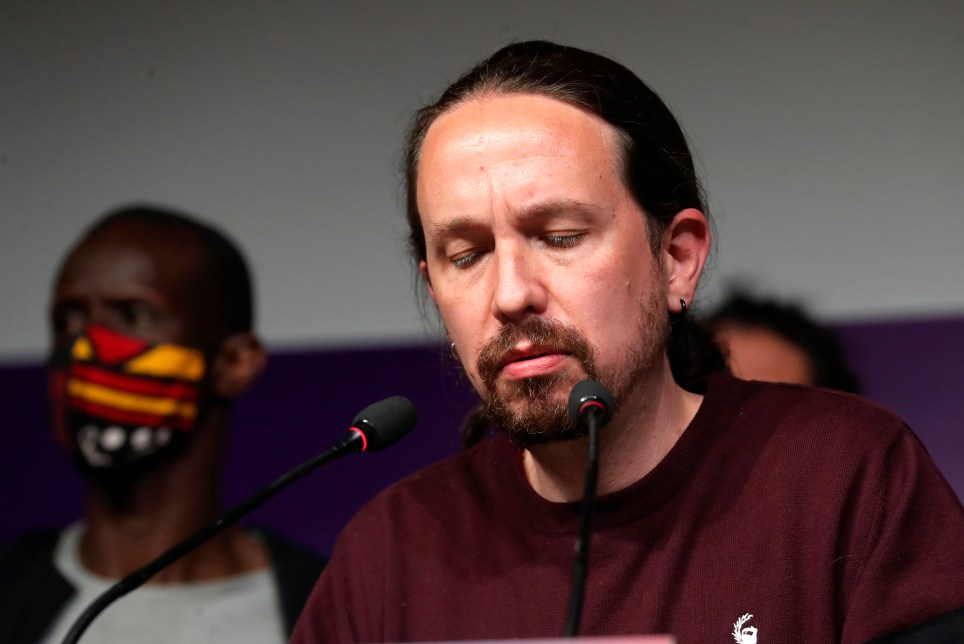 El líder de Unidas Podemos y candidato a la presidencia de la Comunidad de Madrid, Pablo Iglesias, anuncia la dimisión de todos sus cargos y el abandono de la política tras los resultados de las elecciones autonómicas madrileñas. EFE/Kiko Huesca