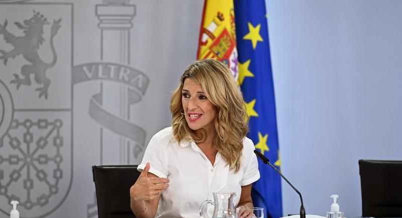 La vicepresidenta tercera del Gobierno y ministra de Trabajo, Yolanda Díaz, durante la rueda de prensa posterior a una reunión del Consejo de Ministros, en Madrid. EFE/Fernando Villar