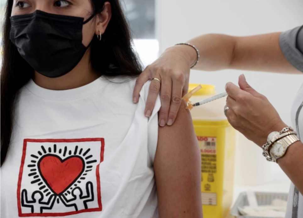Vacunas contagiar contagios covid-19 covid pcr antígenos anticuerpos serológico positivo