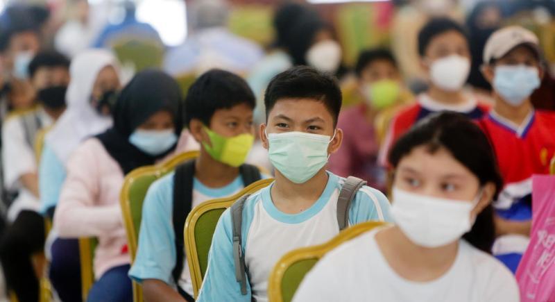 Vacunas covid-19 covid coronavirus niños adolescentes peligroso muertes segura eficaz